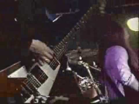 Wishbone Ash - The King Will Come online metal music video by WISHBONE ASH