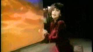 Alanis Morissette- Walk Away (Squeaky Mix)
