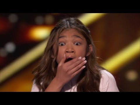 Super Star Angelica Hale Earns GOLDEN BUZZER sings 'Fight Song' America's Got Talent: The Champions (видео)