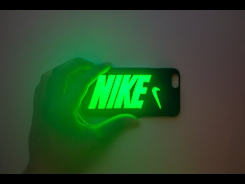 DIY Leuchtfarbe auf Handyhülle – So findest du dein Handy auch im Dunkeln