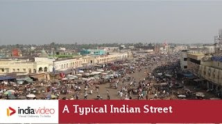 A typical old, buzzing Indian street in Puri, Odisha