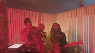 Chloe X Halle   The Kids Are Alright Live In VR180