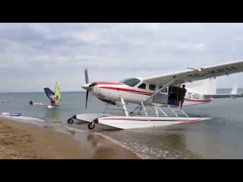 Cessna Caravan Amphibian start up and take off from Gökçeada