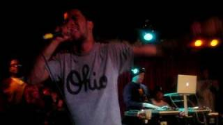 Kid Cudi Performs 'Maui Wowie' Live