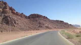 preview picture of video 'Driving out of Wadi Rum'