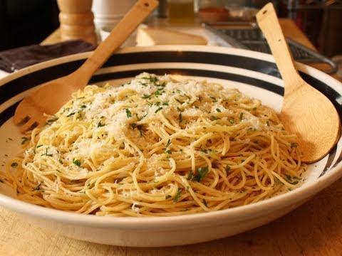 Garlic Spaghetti - Spaghetti Aglio e Olio Recipe - Pasta with Garlic and Olive Oil