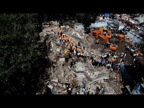 Se derrumba edificio en India