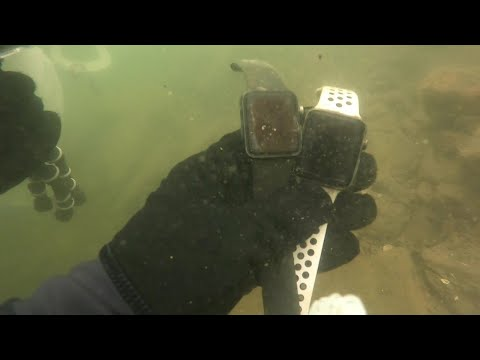 12 Apple Watches Found While Scuba Diving Tenkiller Lake - Scuba Diving - Tenkiller Lake - OK