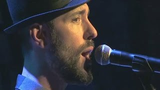 """Charlie Winston chante """"In Your Hands"""""""