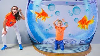 Vlad và mama chơi tại bảo tàng trẻ em ở Dubai