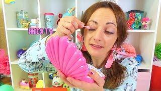 Про МЕНЯ ЗАБЫЛИ снова СтаЛа Ребенком игрушки в Большом ЯЙЦЕ спальня для Барби и Набор косметики