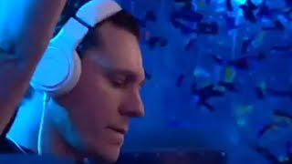 Tiesto Crying 😢 During His Tribute To Avicii During Tomorrowland 2019 Belgium
