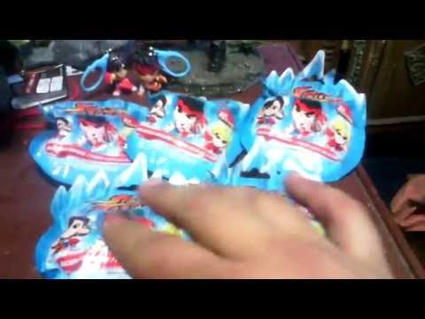 Abriendo 5 paquetes de Street Fighter!! Buscando el llavero de Ken!!!