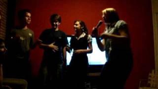Caroline Rhot E Deisi Furacão Cantando Bye Bye - Sandy  Junior