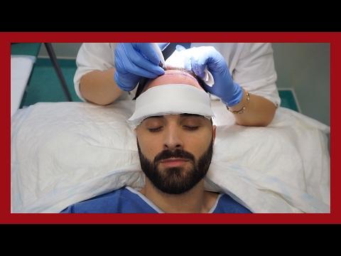 Le masque du brochet sur la personne