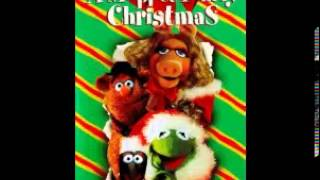 A Muppet Family Christmas - 05 - Here We Come A-Caroling