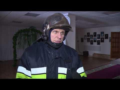 В Тазовском состоялись первые в этом году масштабные пожарные учения