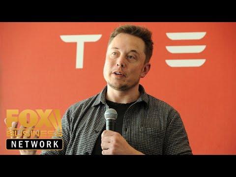 Elon Musk touts brain-chip tech that links to smartphones