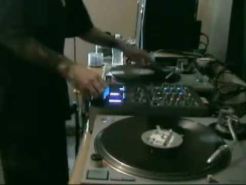 DJ GEOFFRO - all vinyl scratch routine