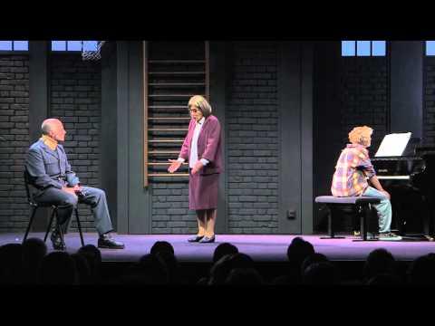 Quatre minutes au Théâtre La Bruyère : bande-annonce