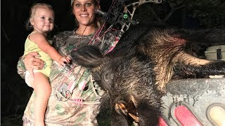How to Cape and Quarter a Massive Wild Boar! Deer Meat For Dinner!