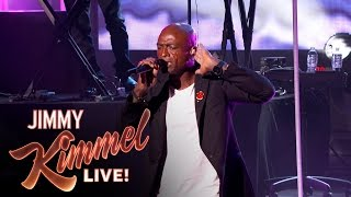 Seal Performs \