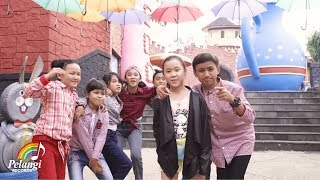 Gambar cover Rayvelin - Lagi-lagi TikTok (Official Music Video)