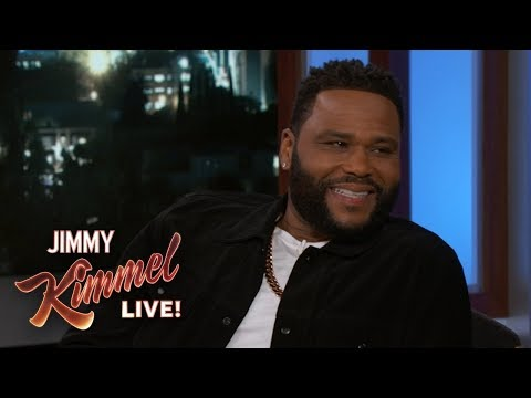 , title : 'Anthony Anderson's Mom is Still Hanging Out with His Stalker'