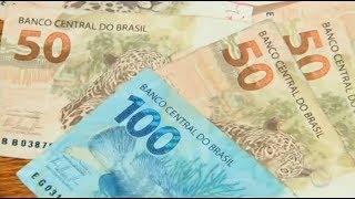 Notas Falsas De Dinheiro São Vendidas Com Facilidade