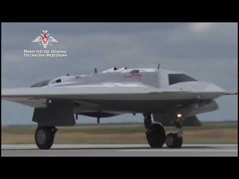 První vzlet těžkého bojového bezpilotního letounu Suchoj Su-70 Ochotnik. Zdroj: MO Ruské federace