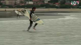 preview picture of video 'Hendaye  - Barrels a maree basse -  Euskadi Surf TV'