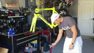 How TO: home mechanic essential- WORK STAND- Feedback Sports Sprint