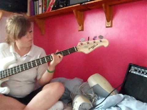 Kaiser Chiefs - Time Honoured Tradition (bass cover)
