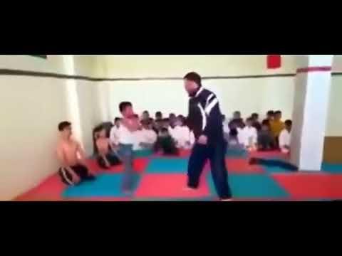 Brutaler Lehrer