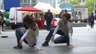 preview picture of video 'Tanzfest Zug 2014 -  Auftauchen. Überraschungsperformances in der Stadt (HD)'