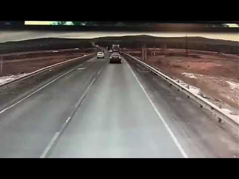 Попытка обгона , закончилась смертью женщины за рулем ВАЗ-2112