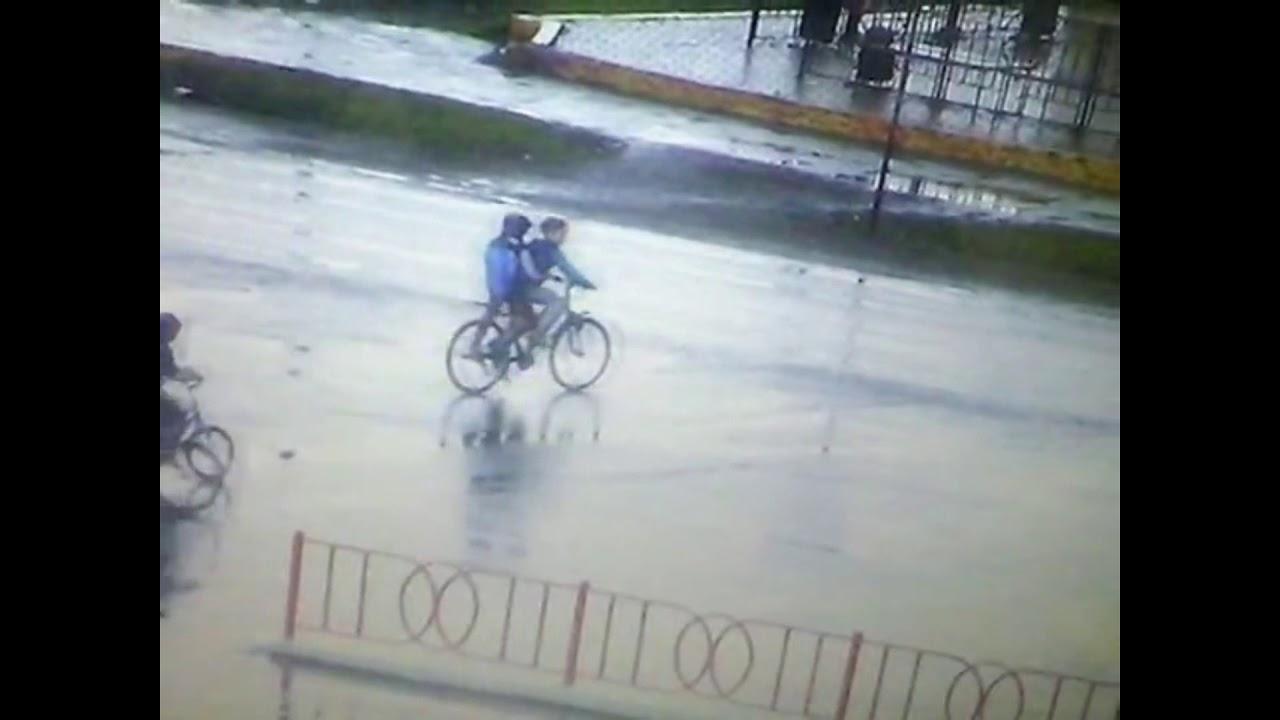 Пьяная автоледи за рулем  Toyota, снесла двух юных велосипедистов в Тайшете