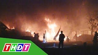 Khu nhà kho hơn 1.000m2 bị thiêu rụi, 13 căn nhà bị cháy lan | THDT