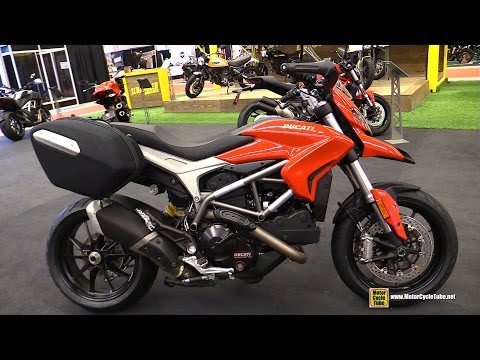 2015 Ducati Hyperstrada 821- Walkaround - 2015 Salon Moto de Montreal