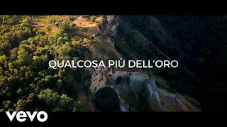 Andrea Bocelli - Qualcosa più dell'Oro (Lyric Video)
