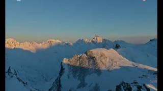 Dokumentárny film Vesmír - Observatóriá - Medzi nebom a zemou