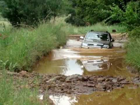 Toyota Fortuner Drives Through Deep Water