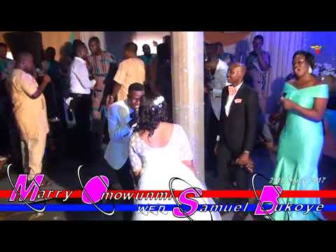 Sir j TV  adegbodu live perfomance omoba wedding