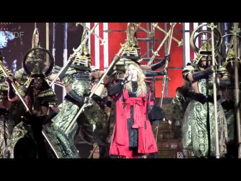rebel heart tour iconic bitch i m madonna madonna live in mo