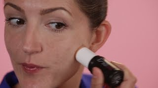Buy stay flawless: http://bit.ly/17jNL6V Benefit Global Beauty Authority Maggie Ford Danielson demonstrates the two easy steps to achieve an all-day flawless face with stay flawless 15-hour longwear primer and hello flawless oxygen wow liquid foundation. Stay flawless helps makeup stay put throughout the day for up to 15 hours. Watch now to see how to apply stay flawless primer with your everyday makeup routine!   Subscribe for more Tips & Tricks: http://bit.ly/Utd37q  View in HD!  Music courtesy of Getty Images: Terraform Records- Get High Remix