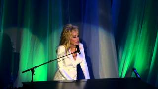 Dolly Parton, The Grass is Blue (Ryman)