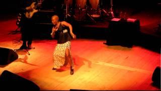 """Angelique KIDJO- """"Arouna"""" live il 18/10/2010 ad Aosta"""