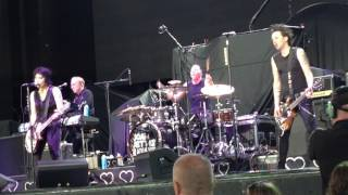 Joan Jett - Toronto - July 11, 2017 - Love is Pain, Mary Tyler Moore & I Love Rock n Roll