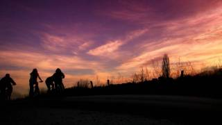 preview picture of video 'Bicycle Downhill At Sunset'