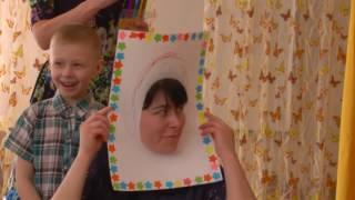"""Детская игра """"Дорисуй портрет мамы"""" с мамами на 8 марта"""